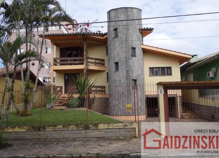 Casa – Bairro Pinheirinho