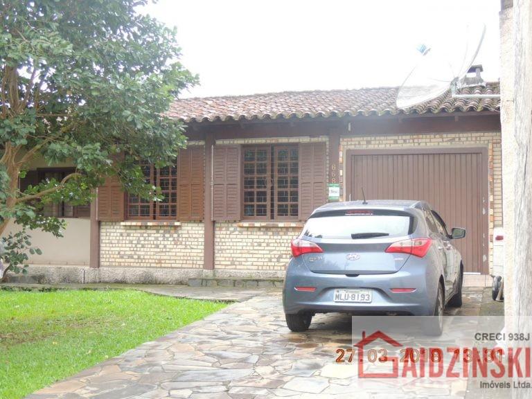 Casa- Bairro Pinheirinho